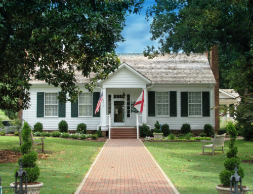 Tour Helen Keller's birthplace in Tuscumbia and see The Miracle Worker play